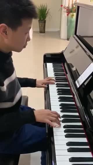 丽Leo 发布了一个钢琴弹奏视频,欢迎来