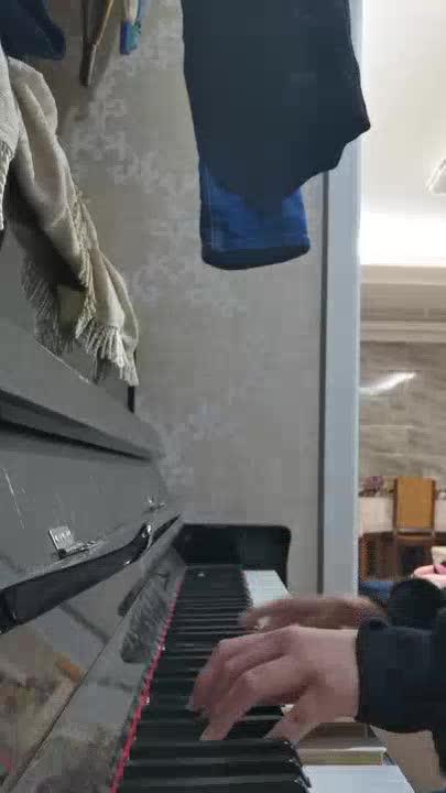tdhr 发布了一个钢琴弹奏视频,欢迎来