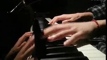 钢琴版《夜空中最亮的星》