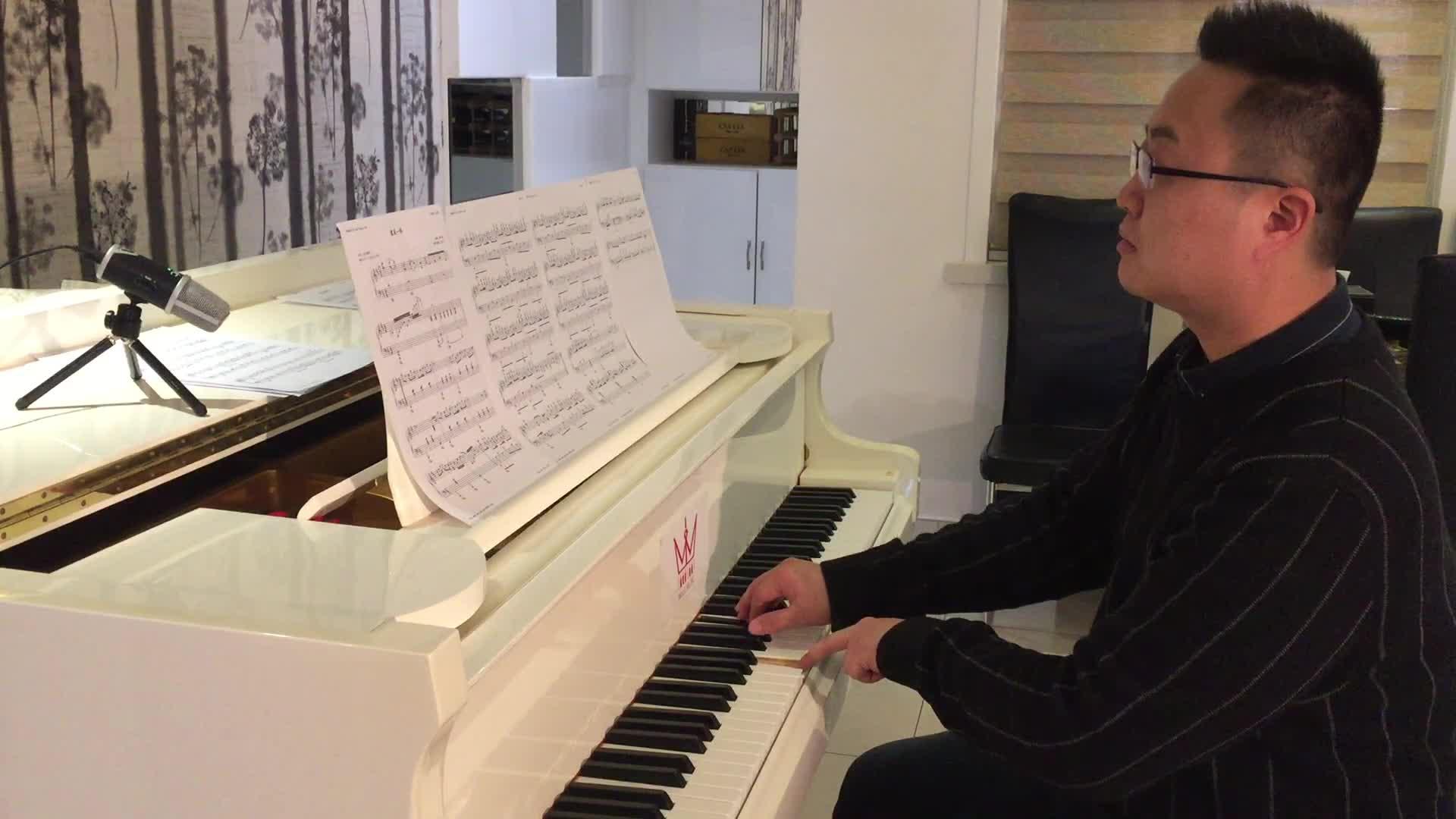 抖音ID:伍乐钢琴 求关注