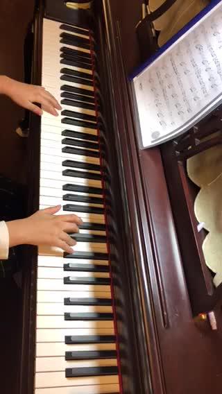 piano 控 发布了一个钢琴弹奏视频,