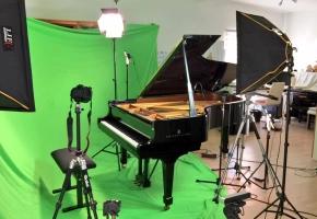 【Animenz】竖拍 VR 迷你钢琴演奏会
