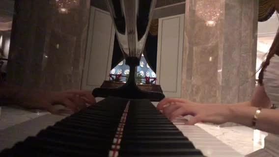 钢琴【追光者】相关乐谱在这里:https