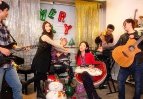 【钢琴】圣诞节,你肯定少不了这两首曲子!