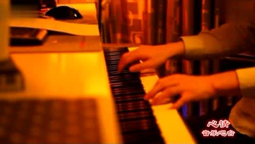 赵海洋夜色钢琴曲《走在冷风中》