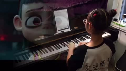 yiyi741 发布了一个钢琴弹奏视频,