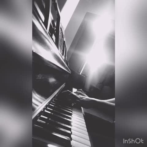 从弹琴吧学到的第一首钢琴曲~