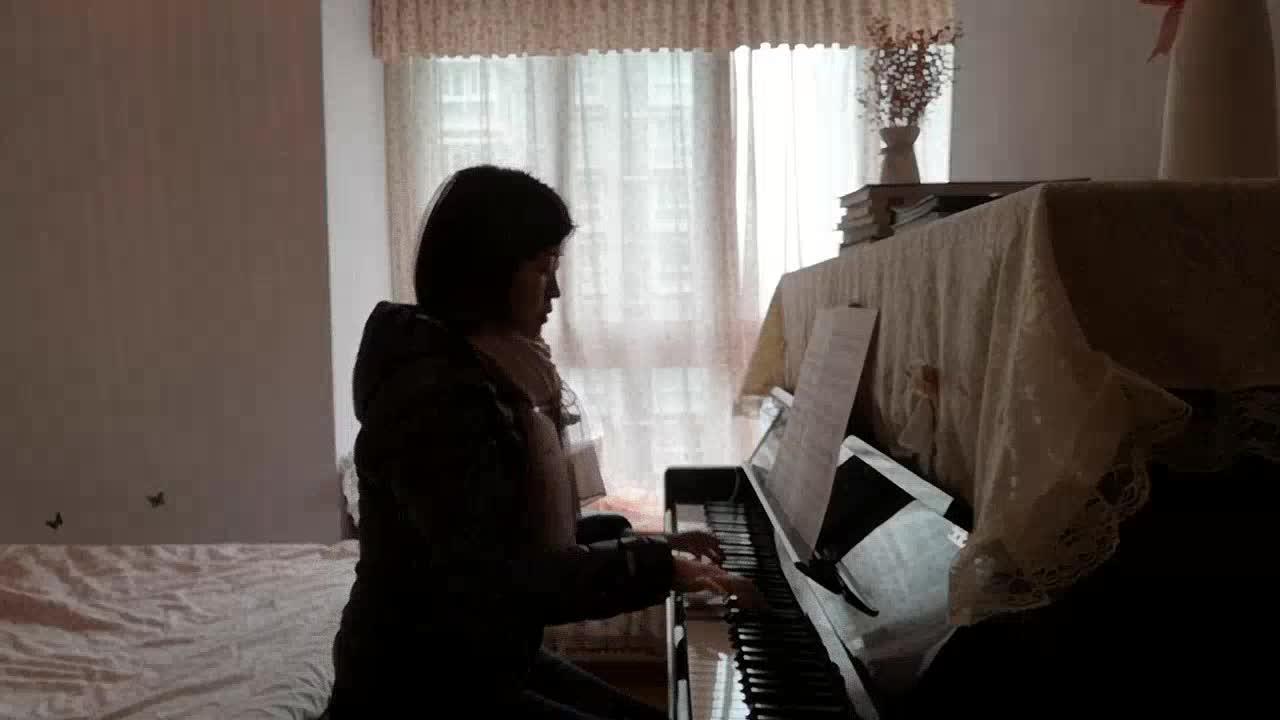 知否知否 比雨更温柔 发布了一个钢琴弹奏