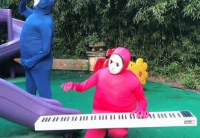 糖豆人扒拉钢琴
