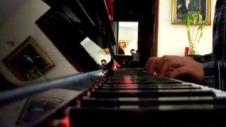 水蛋钢琴演奏小星星