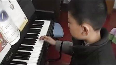 聪聪表演:钢琴《红星歌》