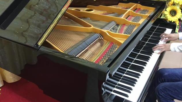 【钢琴】夏至未至插曲《那个男孩》(悠悠琴韵三角钢琴演奏)