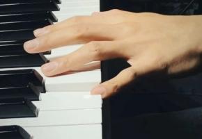 今日钢琴即兴#钢琴#
