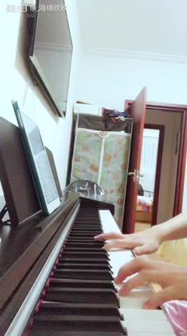 核桃妈 发布了一个钢琴弹奏视频,欢迎来围
