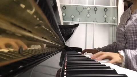羊皮 发布了一个钢琴弹奏视频,欢迎来围观