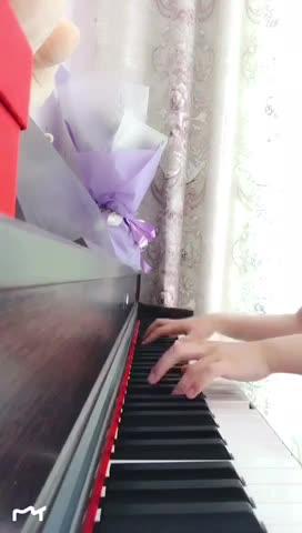 张晓晨薛瑞明 发布了一个钢琴弹奏视频,欢