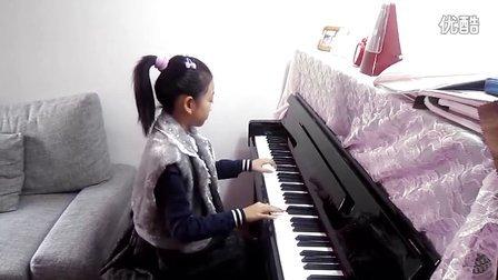 意儿演奏钢琴曲斯拉夫之歌