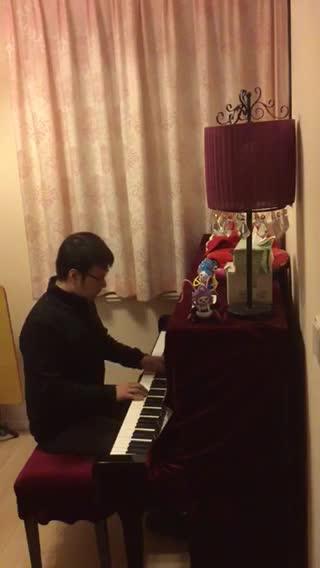 thgirb 发布了一个钢琴弹奏视频,欢
